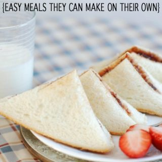 Teaching kids independence starts with something like having them to make their own lunch. These lunch ideas for kids to make themselves are simple for all.