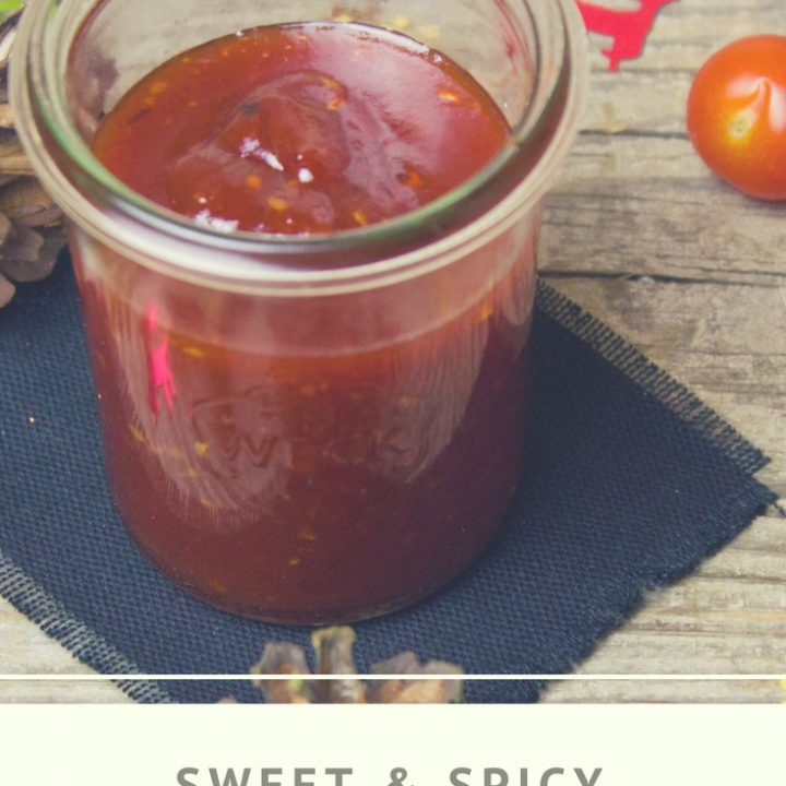 Do you love sweet and spicy food? This sweet and spicy bbq sauce recipe is the perfect pairing for your next backyard barbecue dinner party.