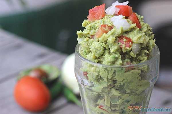 This homemade guacamole is so amazing and perfect for a summer picnic, Tex-Mex dinner night or just to enjoy as a snack.