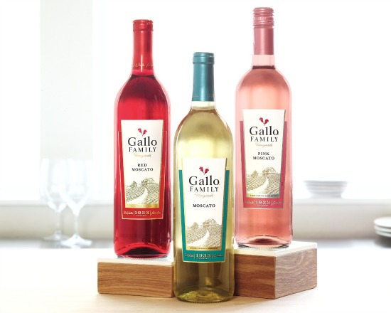 Gallo Family Vineyards has 3 great Moscato Flavors...which is your favorite? #MeEncantaMoscato