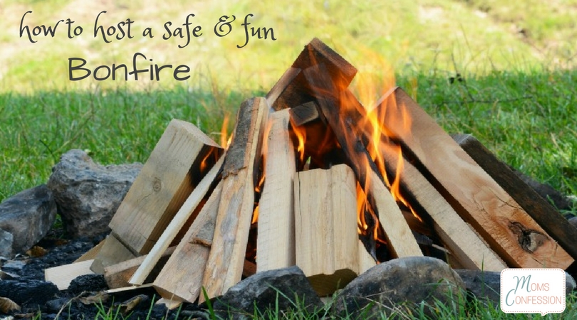 Who doesn't love a bonfire on a chilly fall night? I know I do! Check out these tips on how to build a bonfire and also have a fun time with friends!