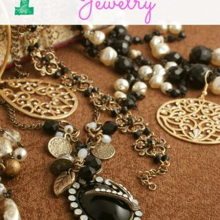 7 Great Tips to Organize Your Jewelry and keep it that way! | MomsConfession.com