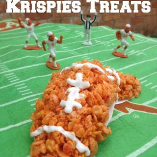 Everyone loves rice krispie treats and this football rice krispies treats recipe is perfect for game day! Get this game day recipe today and enjoy!